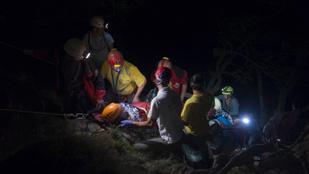 20 métert zuhant a Vadálló-köveknél mentett nő