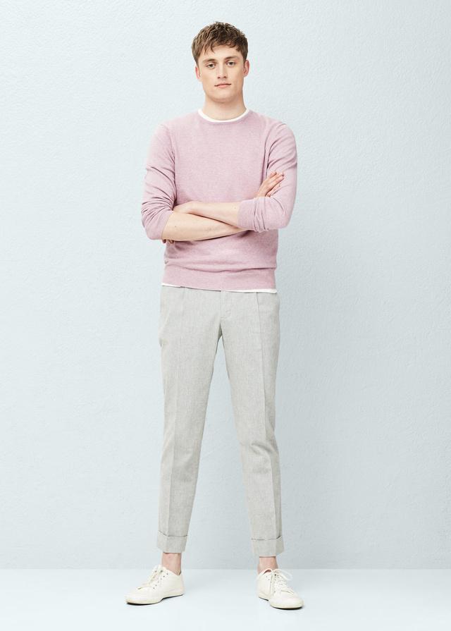 4995 forintért is találtunk rózsaszín árnyalatú pulóvert a Mangóban.