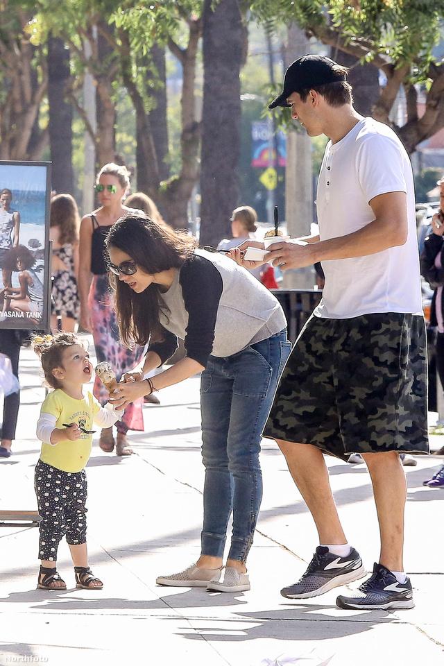 Mila Kunis, Ashton Kucther és lányuk, Wyatt