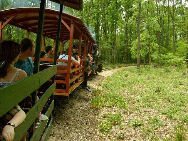 Kaszón a vonattal olyan területen haladhatunk át, amely engedély nélkül nem is látogatható
