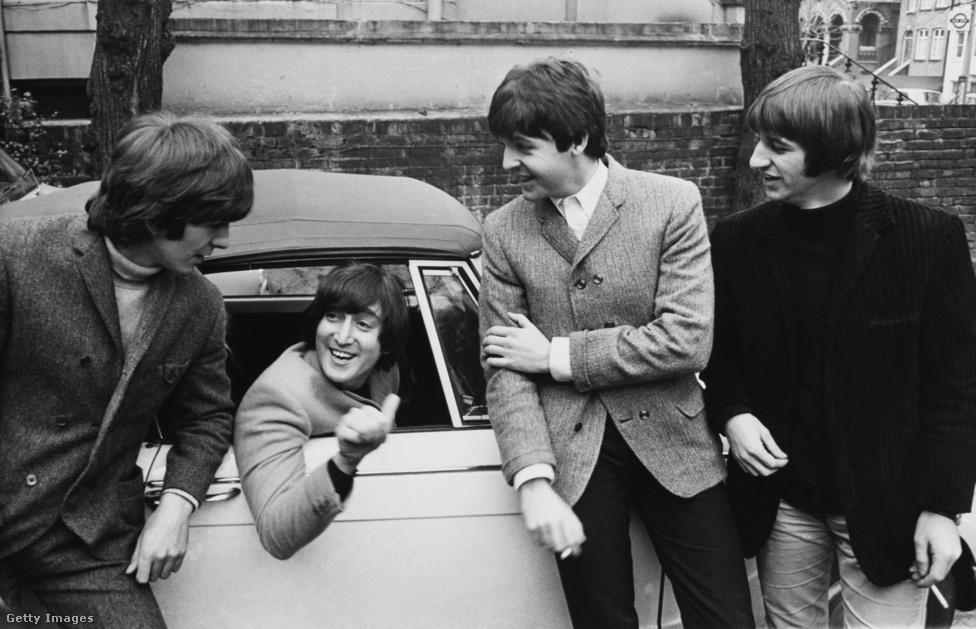 A zenekarból utolsóként John Lennon is végre megszerzi a jogosítványát, pont aznap, amikor az együttes elkezd dolgozni a Help! albumon (1965. február 15.). Ez volt az utolsó olyan Beatles-lemez, amely még nem egy menetben, hanem több nekifutásra, turnékhoz és a lemezhez kapcsolódó film forgatásához igazítva, kapkodósan-sietősen készült el. Lennon egyébként pocsék sofőr volt, és nem is szeretett igazán vezetni, pláne azután, hogy négy évvel később alaposan össze is törte a kocsiját Skóciában.