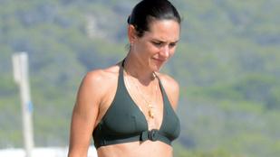 Jennifer Connelly húsz évet is letagadhatna a strandon