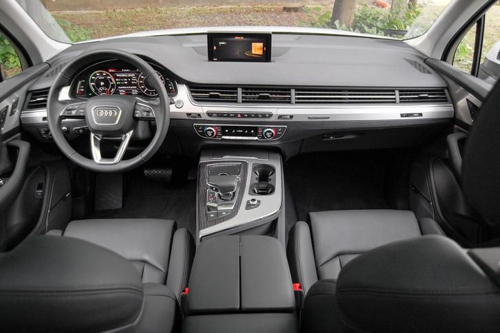 A sok befúvó kicsit hasonlít a 80-as évekbeli 100-as Audikra