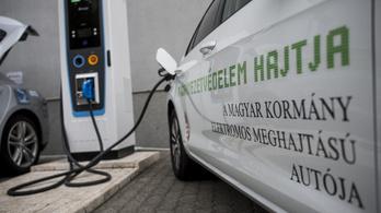 Magyar fejlesztésű elektromosautó-töltőt avattak