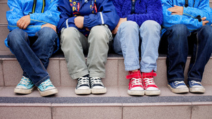 Gyereklábra felnőtt cipőt? Nincs más választás