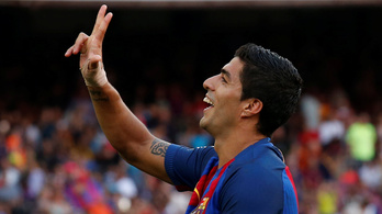 Luis Suarez félelmetes, hármasával rugdossa a gólokat