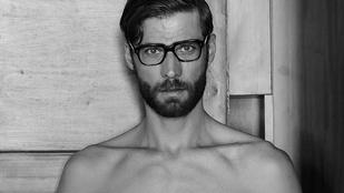 Nemzetközi fotóblogon jött szembe egy belvárosi bérház, magyar sráccal