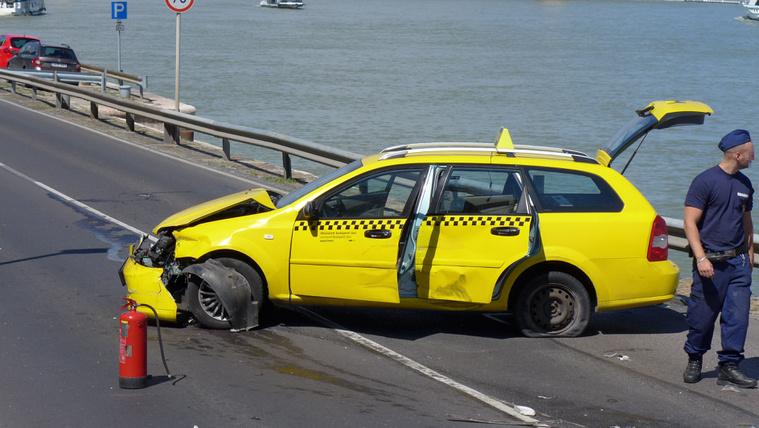Így fogták el az üldözött taxist