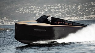 Evo 43 - luxus yacht Olaszországból