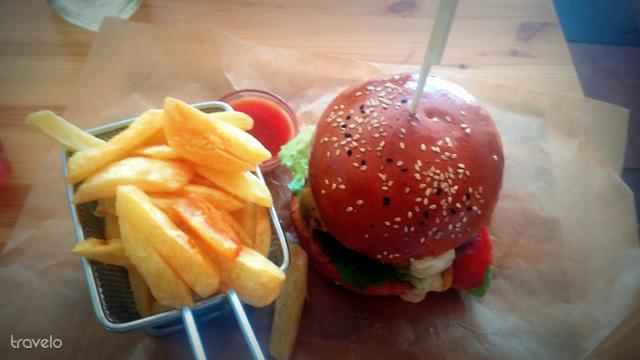 A Kishableány burgerében minden a fenti helyekről származik