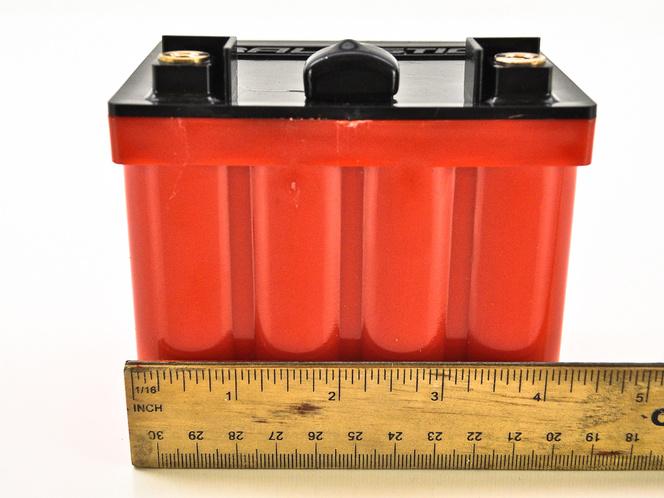 Li-ion akkumulátor: kisebb és könnyebb, mint a klasszikus ólom-savas telepek