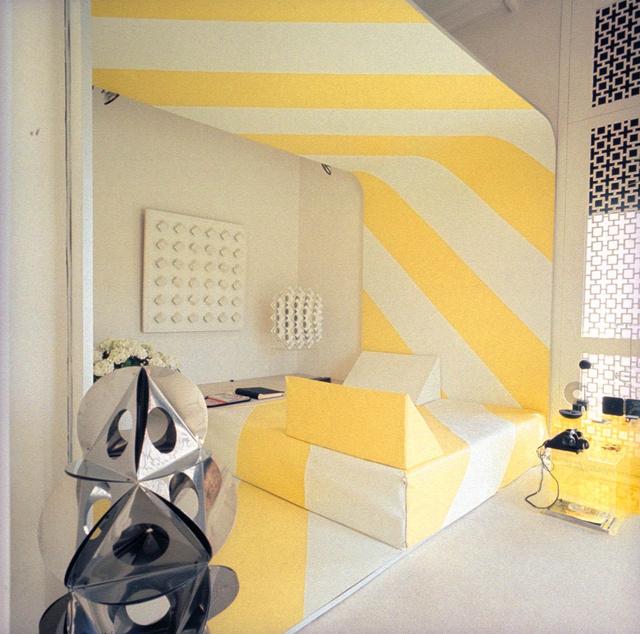 Op-art stílusú lakás a hetvenes évek elejéről.