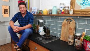 Főzéssel segít Jamie Oliver az olasz földrengés károsultjainak