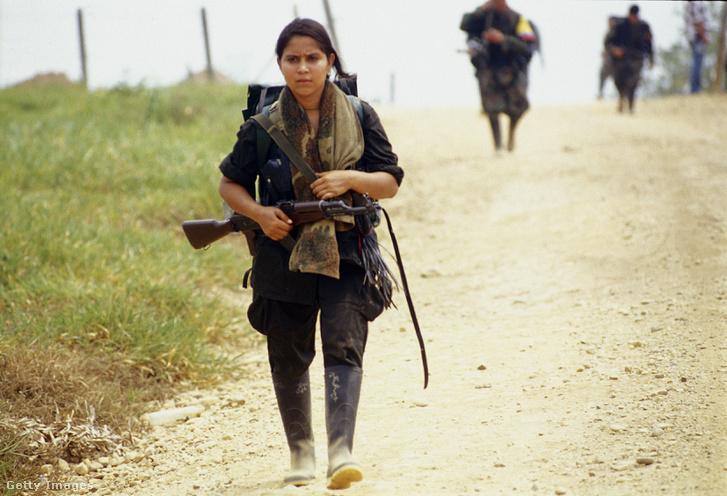 Gyerekkatona a FARC oldalán, 2001-ben.