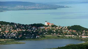 Egy csomó fejlesztési pénzt kap a Balaton