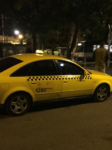 taxi látás plusz nappali éjszaka)