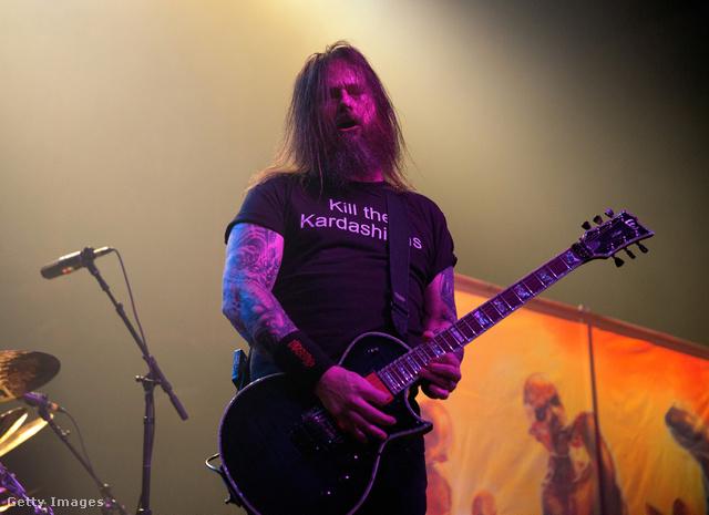 A Slayer új gitárosának, Gary Holtnak is csípte a szemét a jelenség.