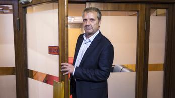 Az MSZP támogatja a kormány menekültkvóta elleni harcát