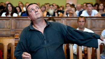 A megbilincselt Budaházy nem biztos, hogy a rendőröket akarta lefejelni