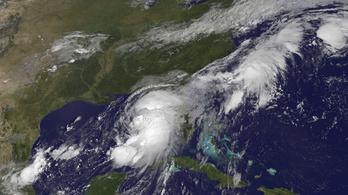 Veszélyes hurrikán közeledik Florida felé