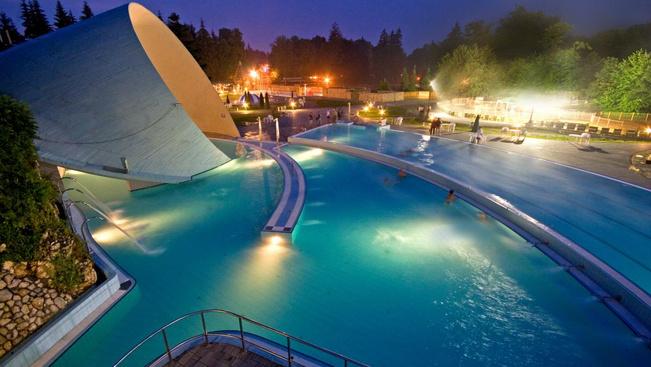 A miskolctapolcai barlangfürdőt választották 2016 legjobb fürdőjének
