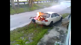 Bosszút akart álni az exbarátján, de rossz autót gyújtott fel