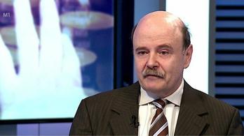 Lemondott a Bayert lovagkeresztre jelölő alapítvány elnöke