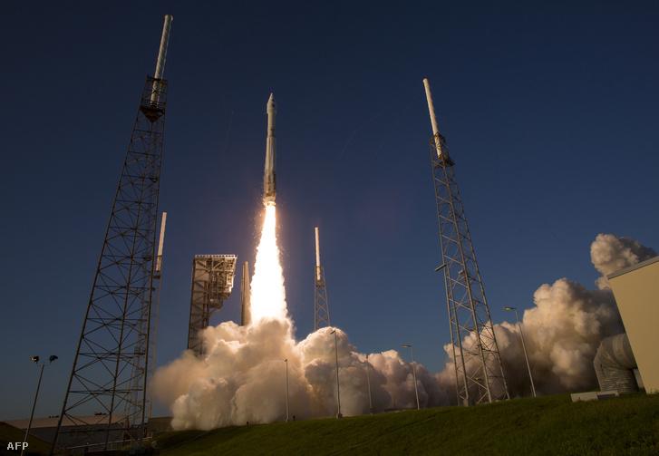 A floridai Cape Canaveral Kennedy űrközpontjából helyi idő szerint csütörtök este sikeresen elindították a NASA OSIRIS-REx nevű aszteroidakutató űrszondáját