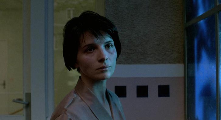Juliette Binoche, a Három szín: Kék c. filmben.