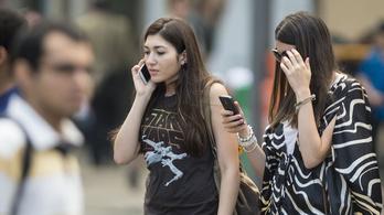 Mégis ingyenes lesz a roaming Európában