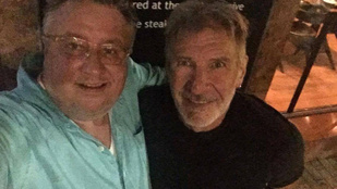 Harrison Ford köztünk jár, és imádja a magyar borokat