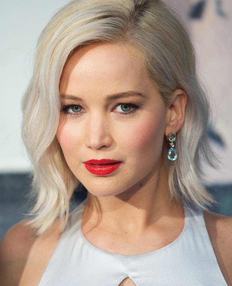 Jennifer Lawrence kék szemű?