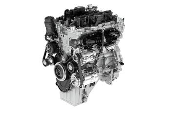 Új benzinmotorokat mutat a Jaguar