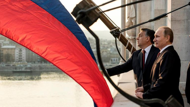 A fehéroroszokkal versenyzünk Putyin kegyeiért