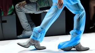 És akkor szembejött egy kétirányú cipő New Yorkban