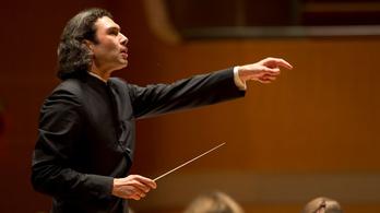A Londoni Filharmonikusok Pécsett szüretel