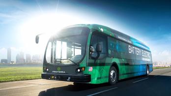 Hatszáz kilométert megy egy szuszra az új villanybusz