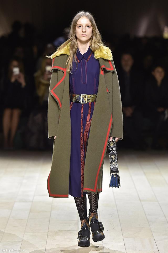 A brit Burberrynél 3000 dollárt, 828.415 forintot kérnek egy katonai stílusú kabátért.