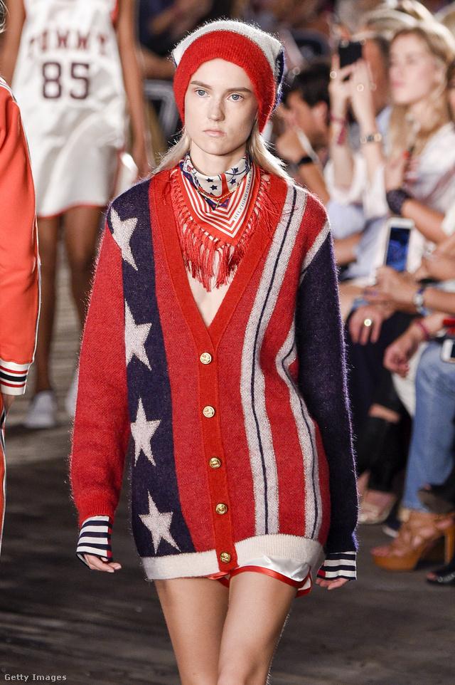 Amerika zászlós kardigán Tommy Hilfigertől.