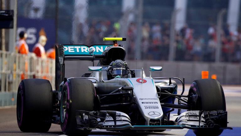 Rosberg-pole, Vettelé az utolsó rajthely Szingapúrban