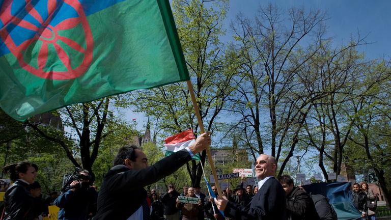 Bedobják a törülközőt a legfontosabb roma érdekvédők