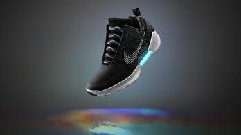Néhány hét múlva kapható lesz Marty McFly önbekötős cipője