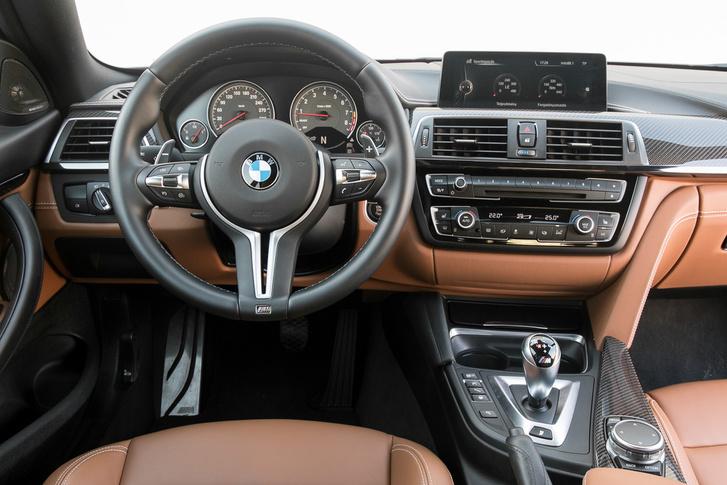 Elegáns az új, filigrán BMW-kormány