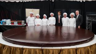 Itt a világ legnagyobb Sacher-tortája