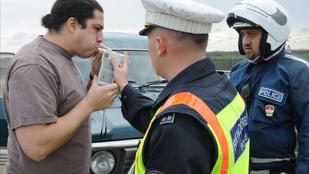A borsodi rendőrök oklevelét volt osztályfőnöke is megirigyelné