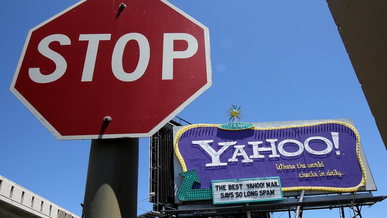 Kódolva volt a Yahoo bukása