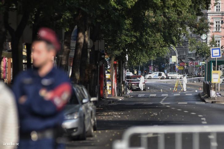Vasárnap reggel is le volt zárva a Király utca környéke