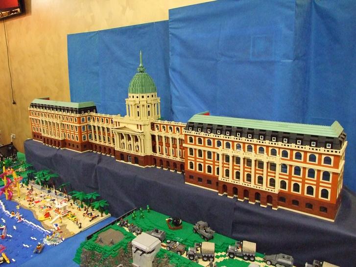 Talapa Tibor, HunLTC tag alkotása a 2015-ös őszi Lego-kiállításon a KÖKI Terminálban