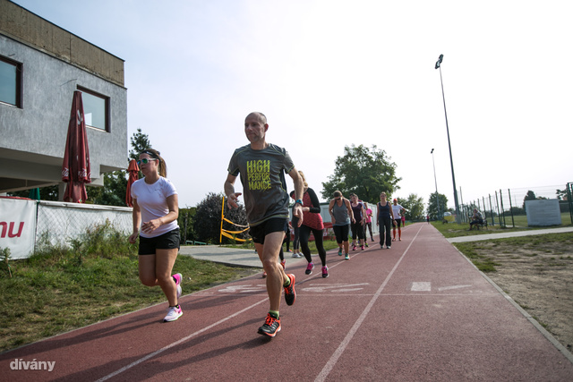 A 3 kilométeres futás azért majdnem mindenkit megviselt a nagy nyári lazsálás után.