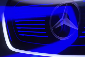 Kéken dereng a Mercedes újdonsága